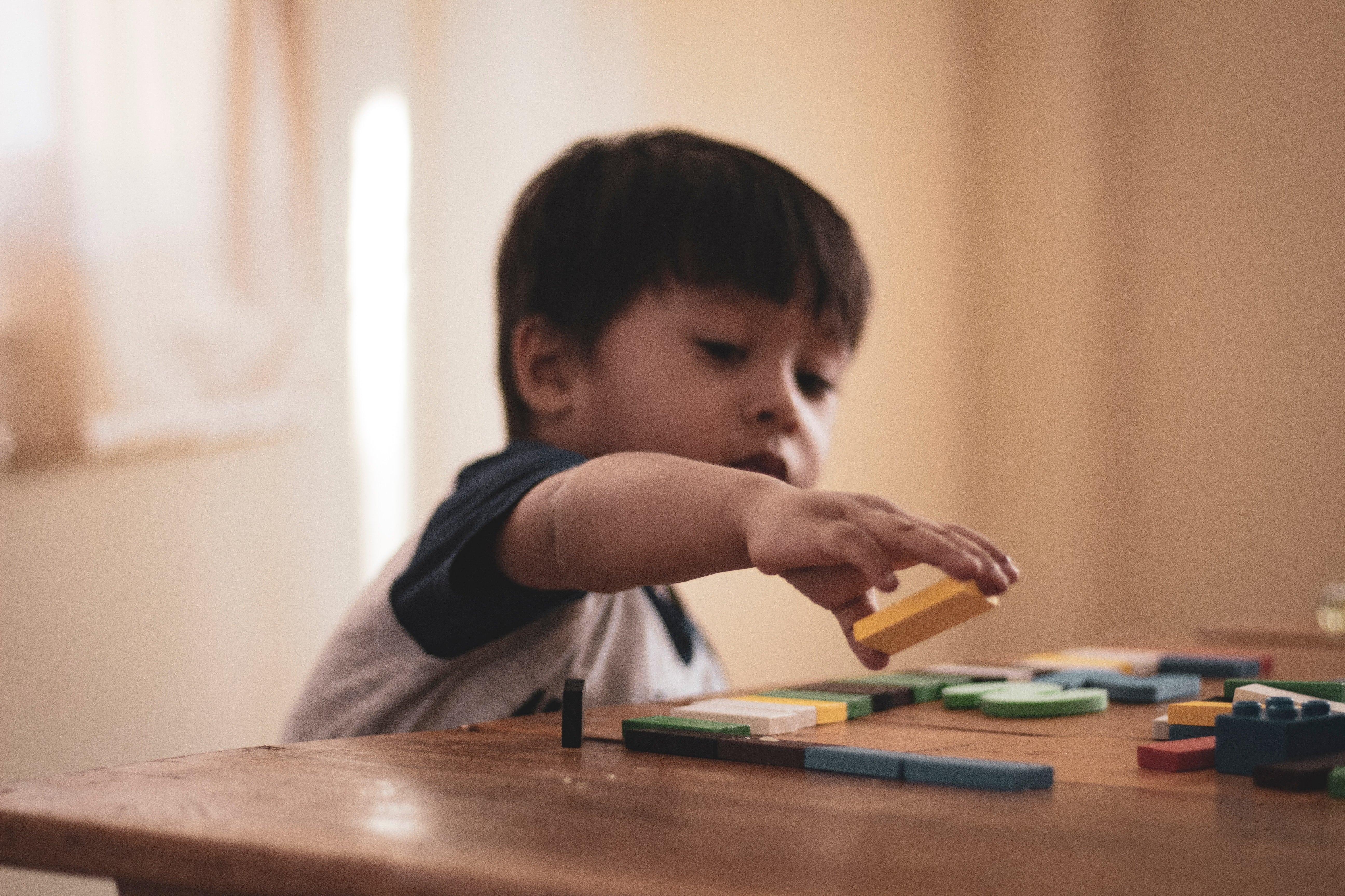 Come fare sì che il vostro bambino sviluppi una buona memoria? il trucco è semplice...farlo giocare!